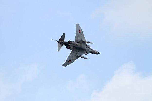 F-4EJ 315 302sq low pass (2)