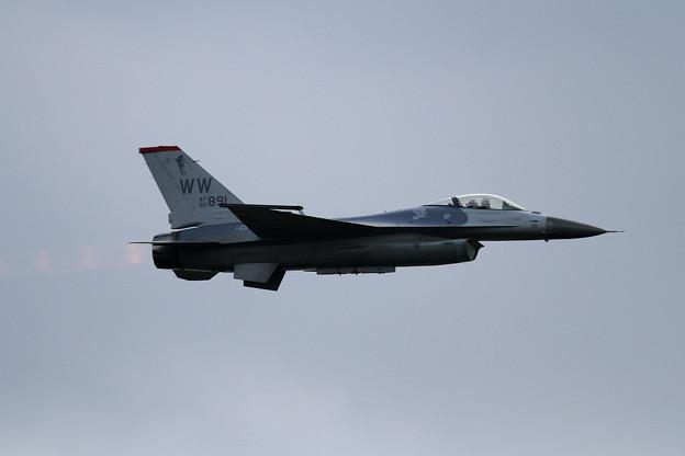 PACAF F-16 Demo Team (1)