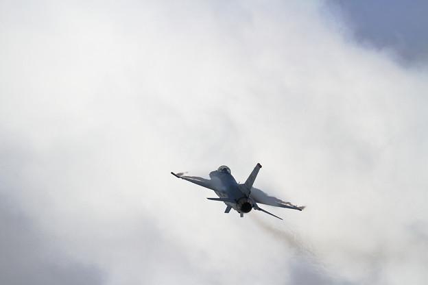 PACAF F-16 Demo Team (3)