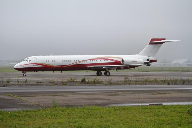 McDonnell Douglas MD-87 N168CF (1)