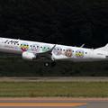 写真: ERJ-190STD J-AIR しまじろうジェット (1)