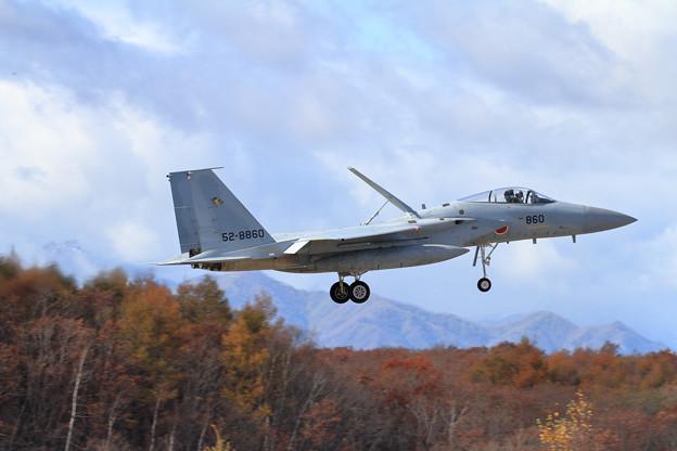 F-15J 860 201sq 恵庭岳には雪が