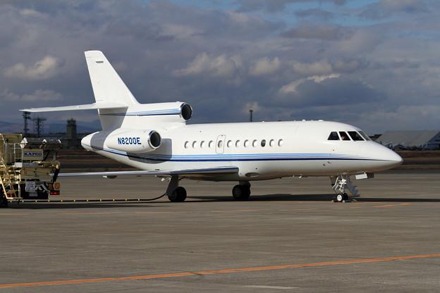 Falcon900 N8200E 給油中