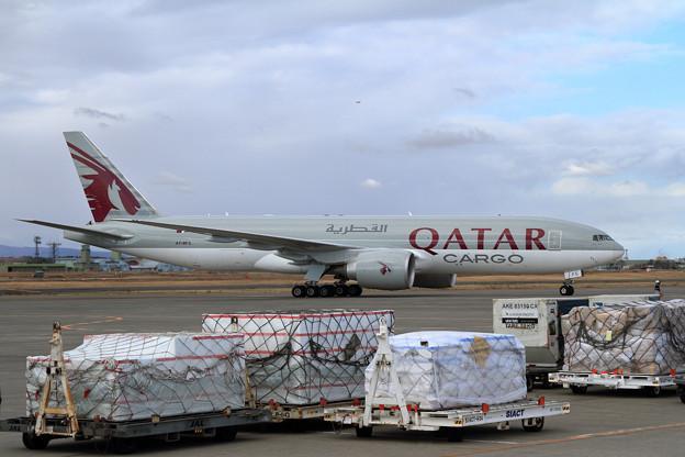 B777Freighter A7-BFC Qatar Airways Cargo飛来