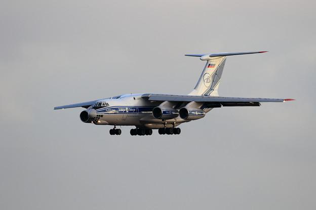 IL-76TD-90VD RA-76952 VDA approach