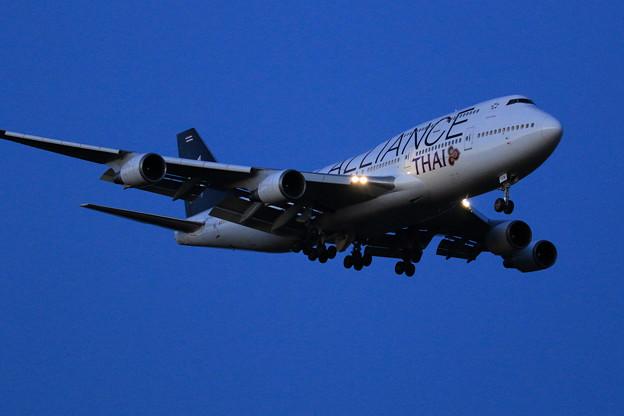 B747 THAI HS-TGW approach