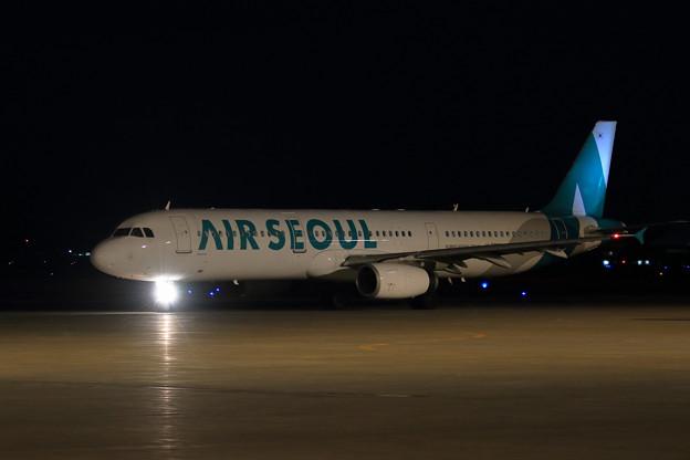 A321 Air Seoul HL7790 departs