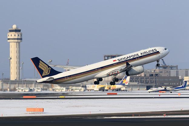 Photos: A330 Singapore Airlines 9V-SSB (2)