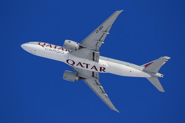 B777F Qatar Airways Cargo A7-BFF takeoff (2)