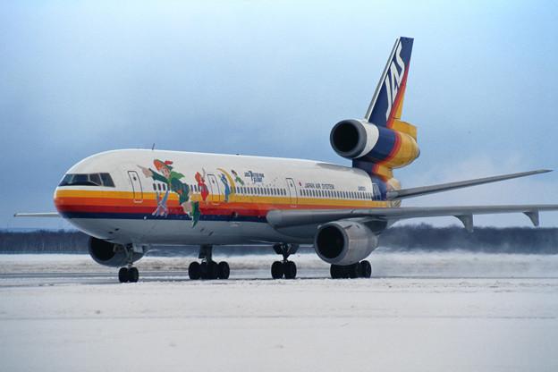 DC-10-30 JA8551 JAS Peterpan Flight CTS 1996.01