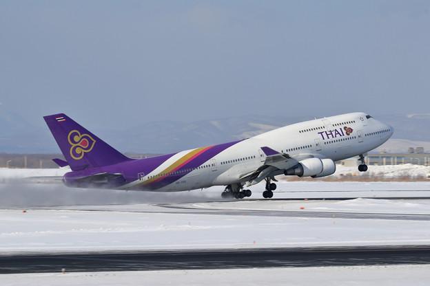 B747 THA HS-TGX takeoff