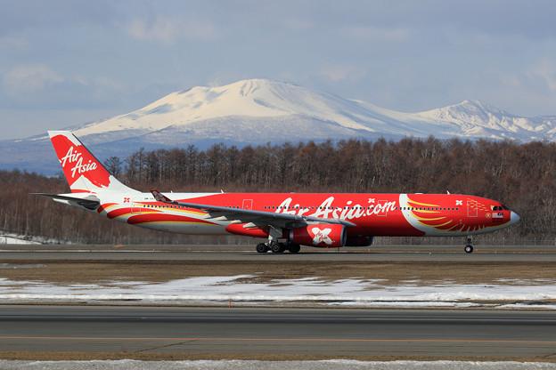 A330 9M-XXT AirAsiaX takeoff (1)