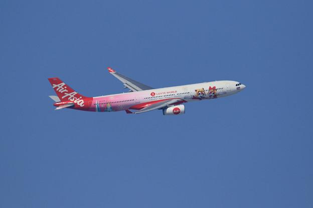 A330 Thai AirAsiaX HS-XTD takeoff climb