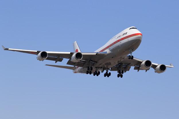 Boeing747-400 政府専用機 RJCC19L approach(1)