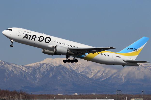 B767 ADO JA613A takeoff