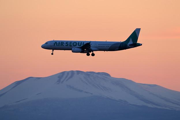 A321 Air Seoul 黄昏色の中