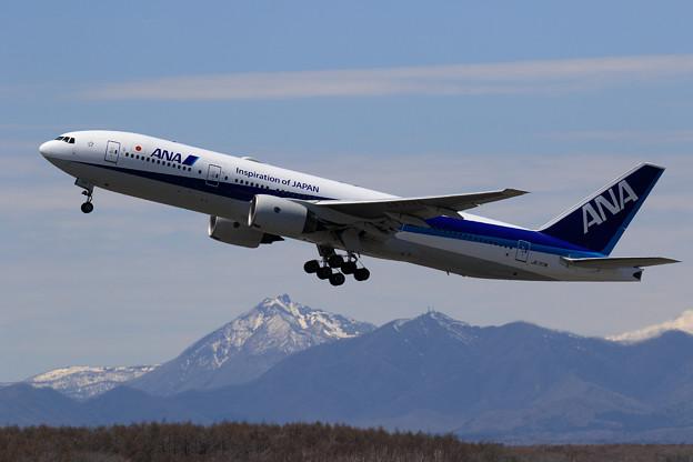 Photos: B777 ANA JA717A takeoff