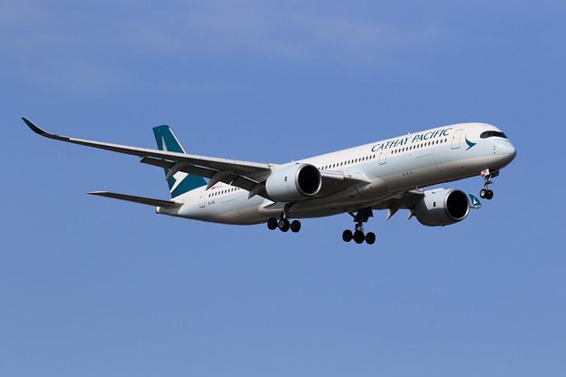 A350-900 B-LRQ CX approach