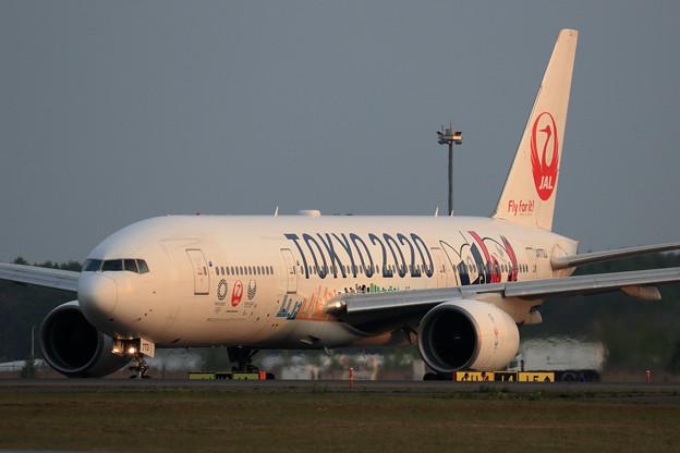 Boeing777 JAL 夕暮れどきのJA773J