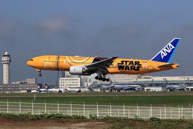 Boeing777 ANA JA743A landing