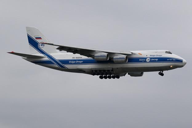 An124 RA-82044 飛来 (1)