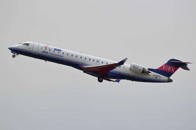 CRJ700 IBEX JA06RJ takeoff