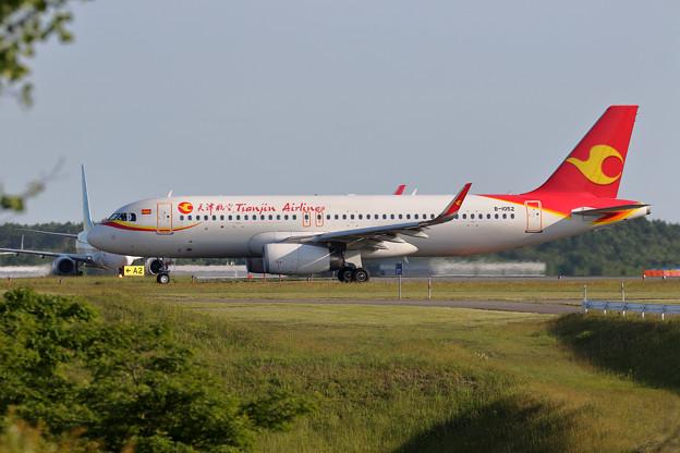 A320 天津航空 B-1052 A1へ