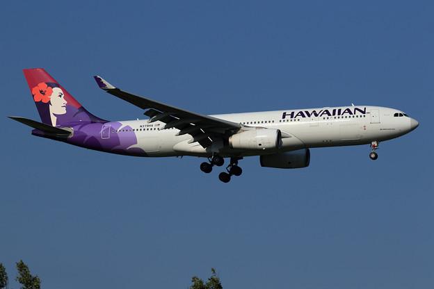 A330 HAL N379HA approach