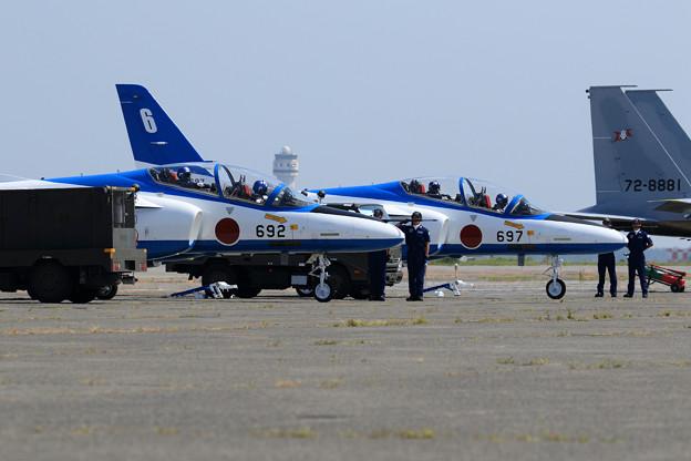 T-4 Blue Impulse 692/697 2機での展示飛行(1)