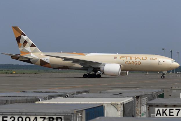 Boeing777-FFX A6-DDD ETIHAD Cargo (1)