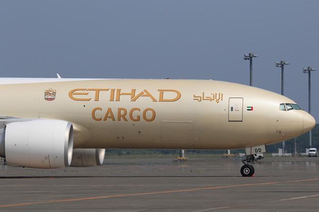 Boeing777-FFX A6-DDD ETIHAD Cargo (2)