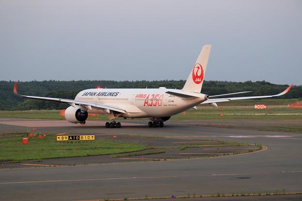 A350-900 JAL JA01XJ Rwy01Lへ (3)