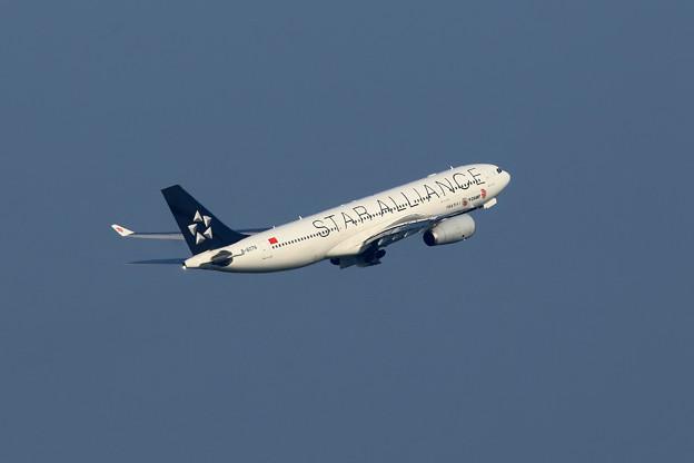 A330-200 B-6076 CA takeoff