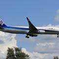 Boeing767-381ER ANA JA625A approach