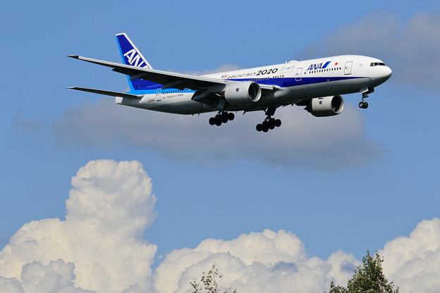 Boeing777 ANA JA744A approach