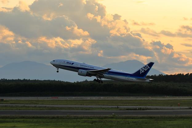 Boeing777 ANA JA717A 夕焼け空