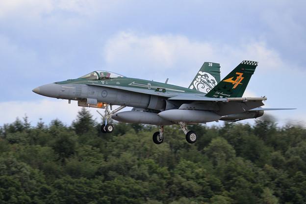 F/A-18A A21-39 77sq RAAF 飛来