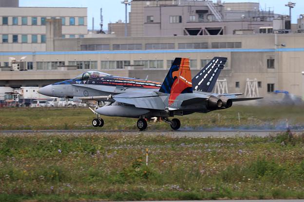 F/A-18A A21-23 75sq RAAF 飛来