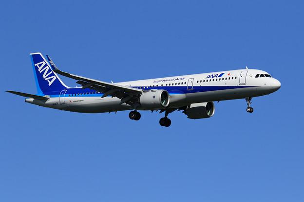 A321neo JA137A ANA approach