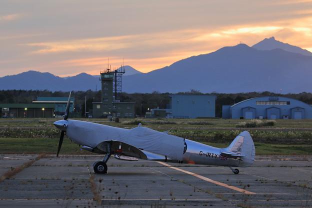 Silver Spitfire G-IRTY 飛来(6)