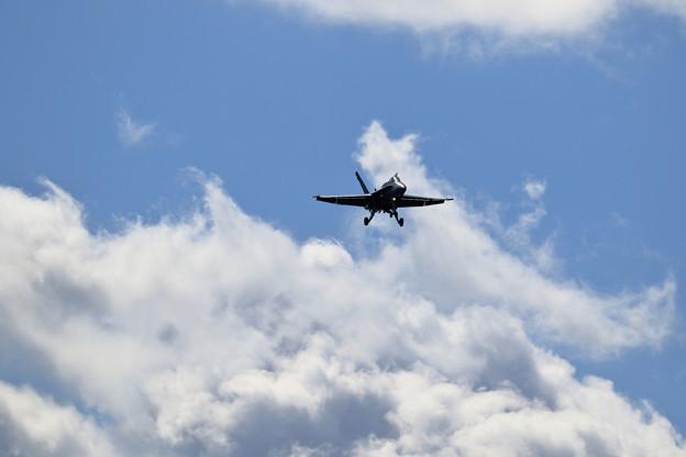 F/A-18 RAAF approach(1)