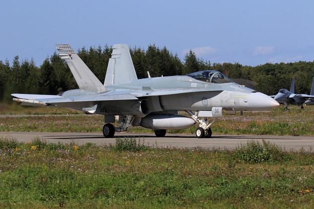 FA-18A A21-36 75sq RAAF(1)