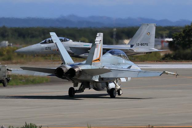 F/A-18B A21-111 2OCU RAAF(2)