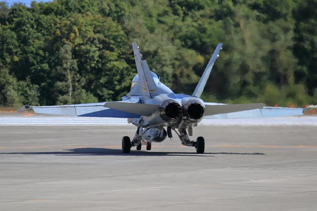 F/A-18B A21-111 2OCU RAAF(3)