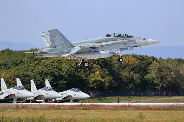 F/A-18B A21-114 2OCU RAAF(3)