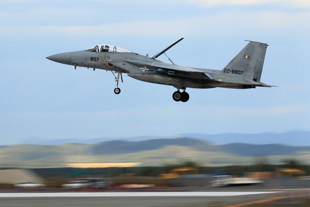 F-15J 807 203sq approach