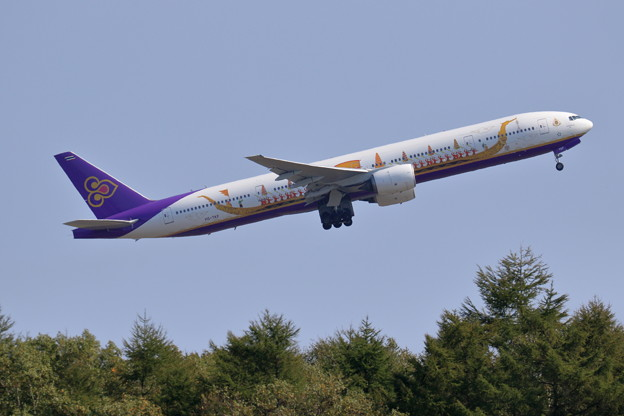 Boeing777 THA HS-TKF Royal Barge livery(2)