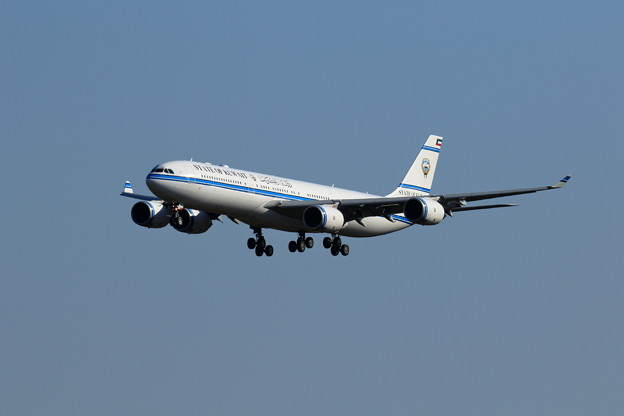 A340-500 9K-GBB State of Kuwait approach(1)