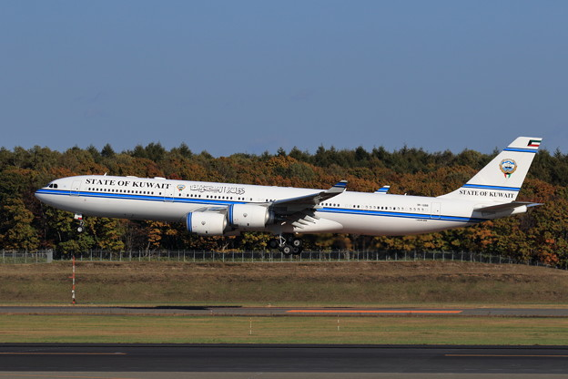 A340-500 9K-GBB State of Kuwait approach(2)
