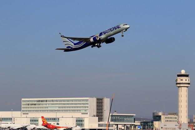 Boeing757 National Airlines N567CA takeoff(1)